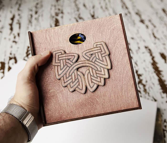 BOX218-3 Коробка для подарков из дерева с логотипом «Борода» (17*17*7 см) фото 07