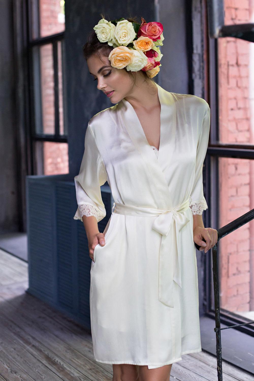 Молочный шелковый халат (Короткие халаты)