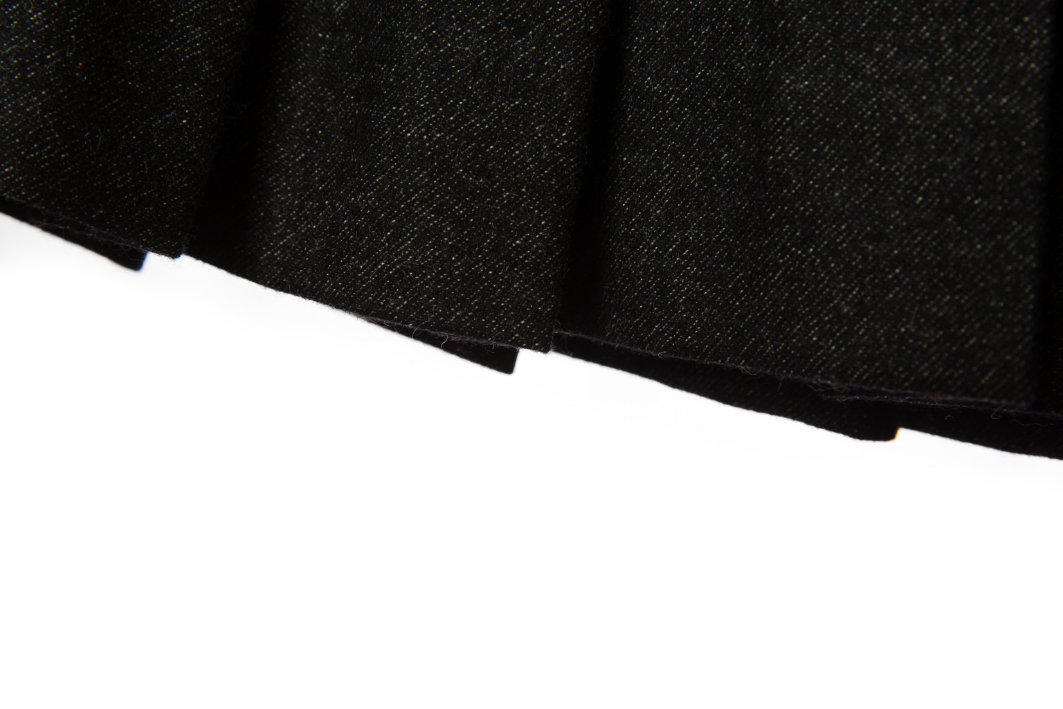 Кокетливая черная юбка в складку от Chanel, 40 размер