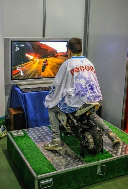 Аренда аттракциона виртуальной реальности MiniBike VR