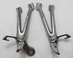 Подножки задние с кронштейнами для мотоцикла Suzuki GSX-R600/750 08-10
