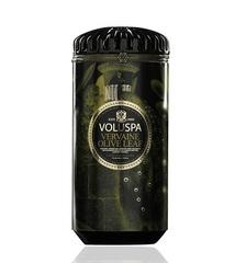 Ароматическая свеча Voluspa Вербена и оливковые листья в керамическом подсвечнике