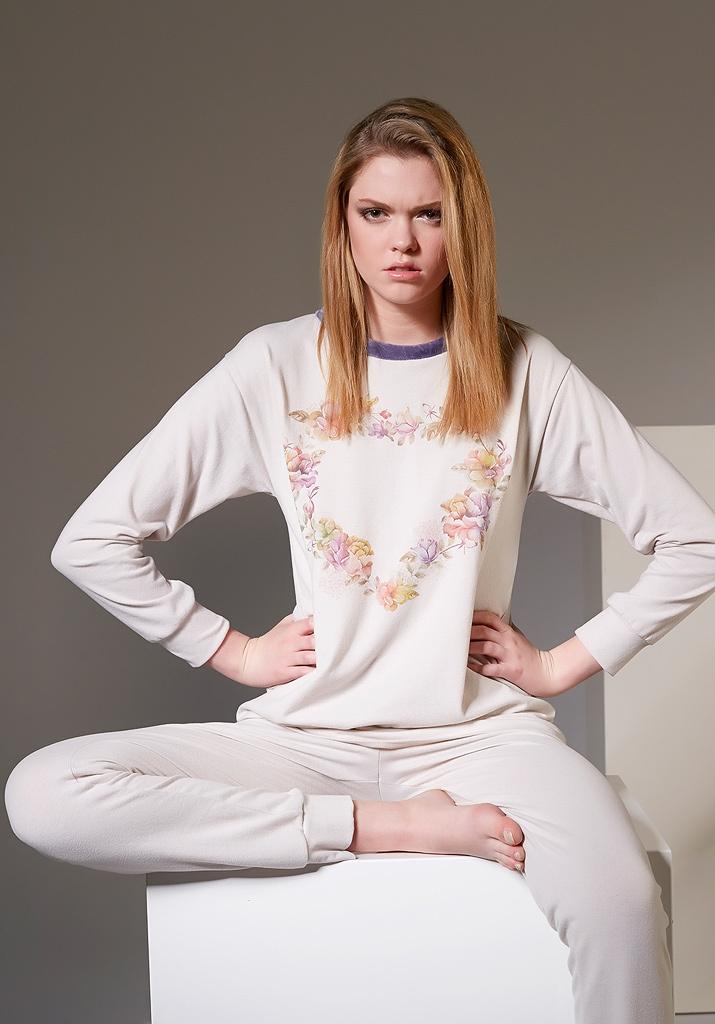 Женская пижама с сердцем Rebecca & Bros (Домашние костюмы и пижамы)
