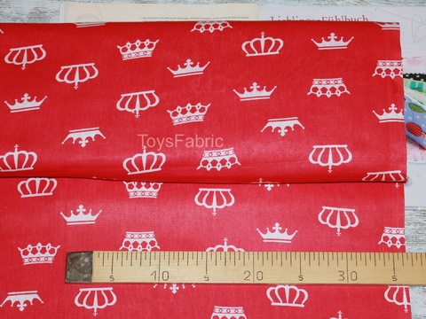 Ткань бязь Д24 Короны на красном (75х50см)
