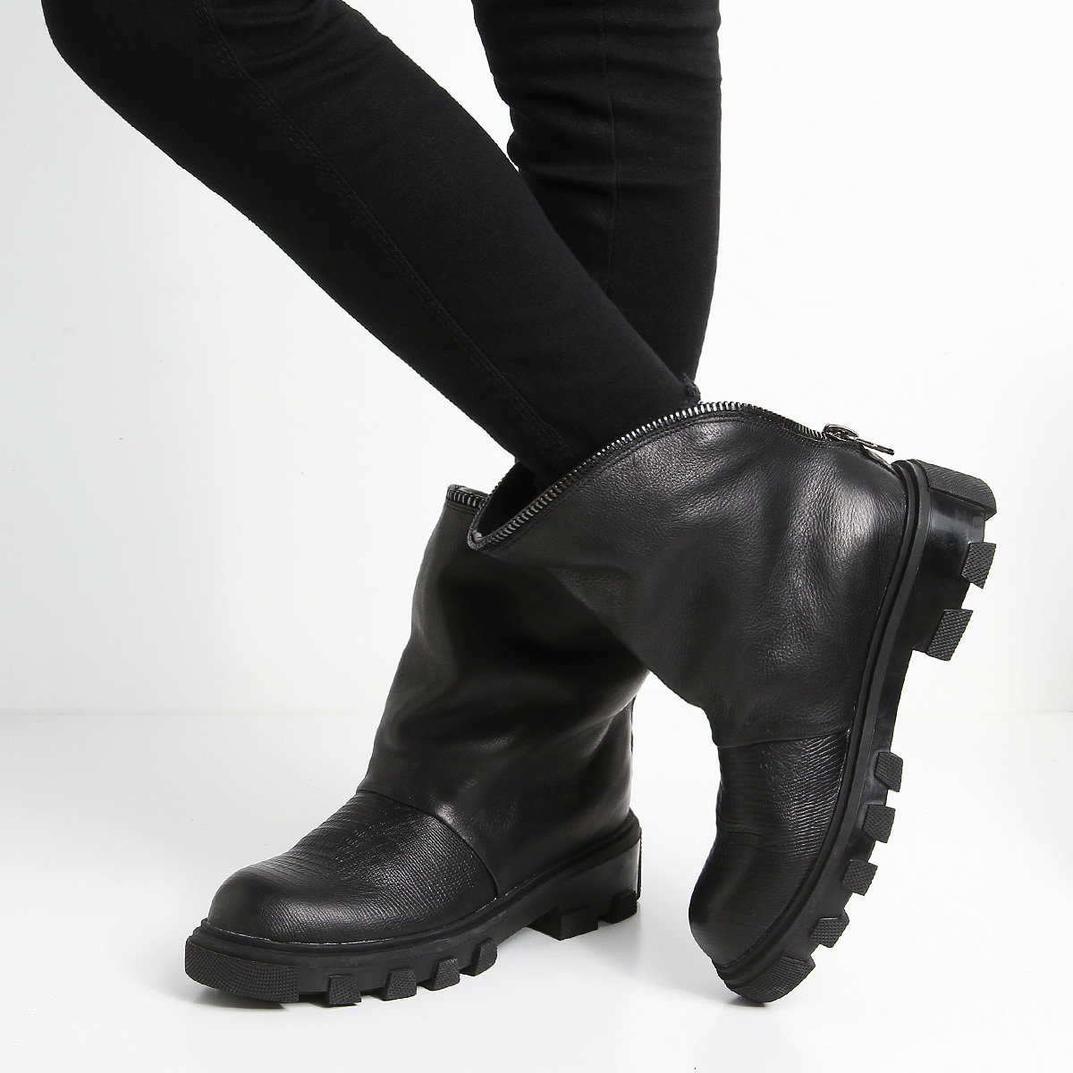 Женские ботинки «LUVY»