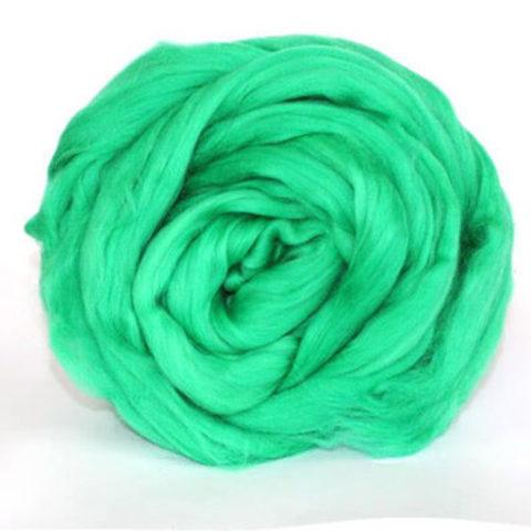 Шерсть для валяния Полутонкая (Троицкая) 723 Яркая зелень