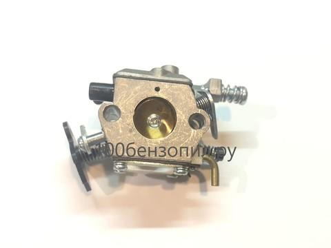 Карбюратор для бензопилы с объемом двигателя 38cc два отвода ( под праймер )