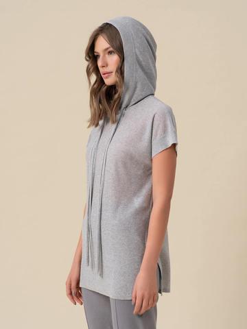 Женский джемпер серебряного цвета с капюшоном - фото 2