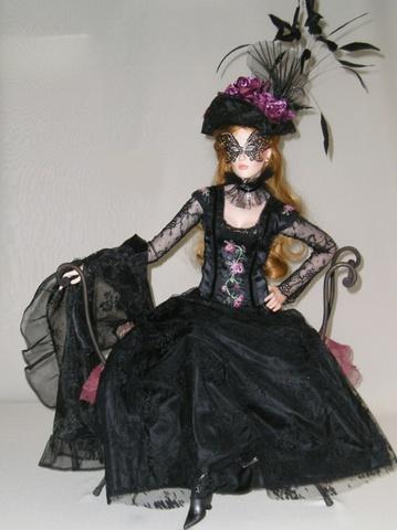 Кукла фарфоровая коллекционная Marigio Antonia 87 см в черном