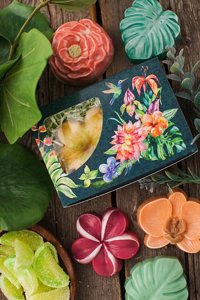 Пластиковая форма для мыла в виде орхидеи