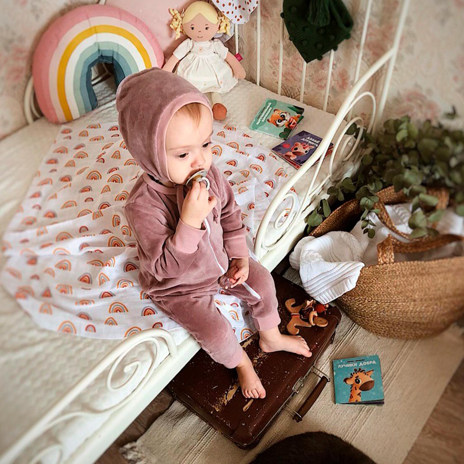 Велюровый комбинезон с открытой ножкой Mjölk Sleep and Play Desert Rose