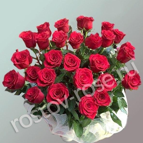 Букет из голландской ярко красной розы, сорт Фридом