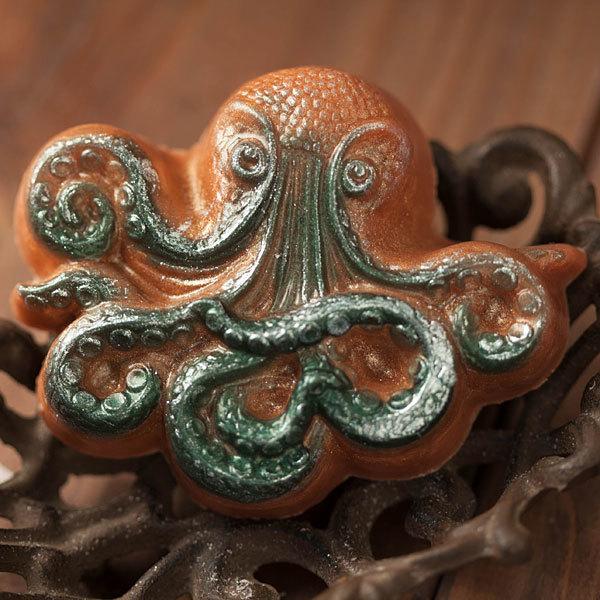 Мыло ручной работы в форме осьминога