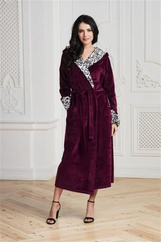 Длинный велюровый халат с капюшоном
