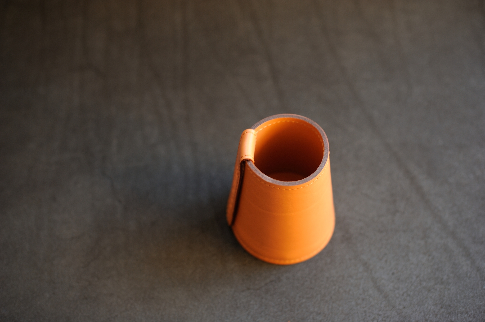 Кожаный стакан