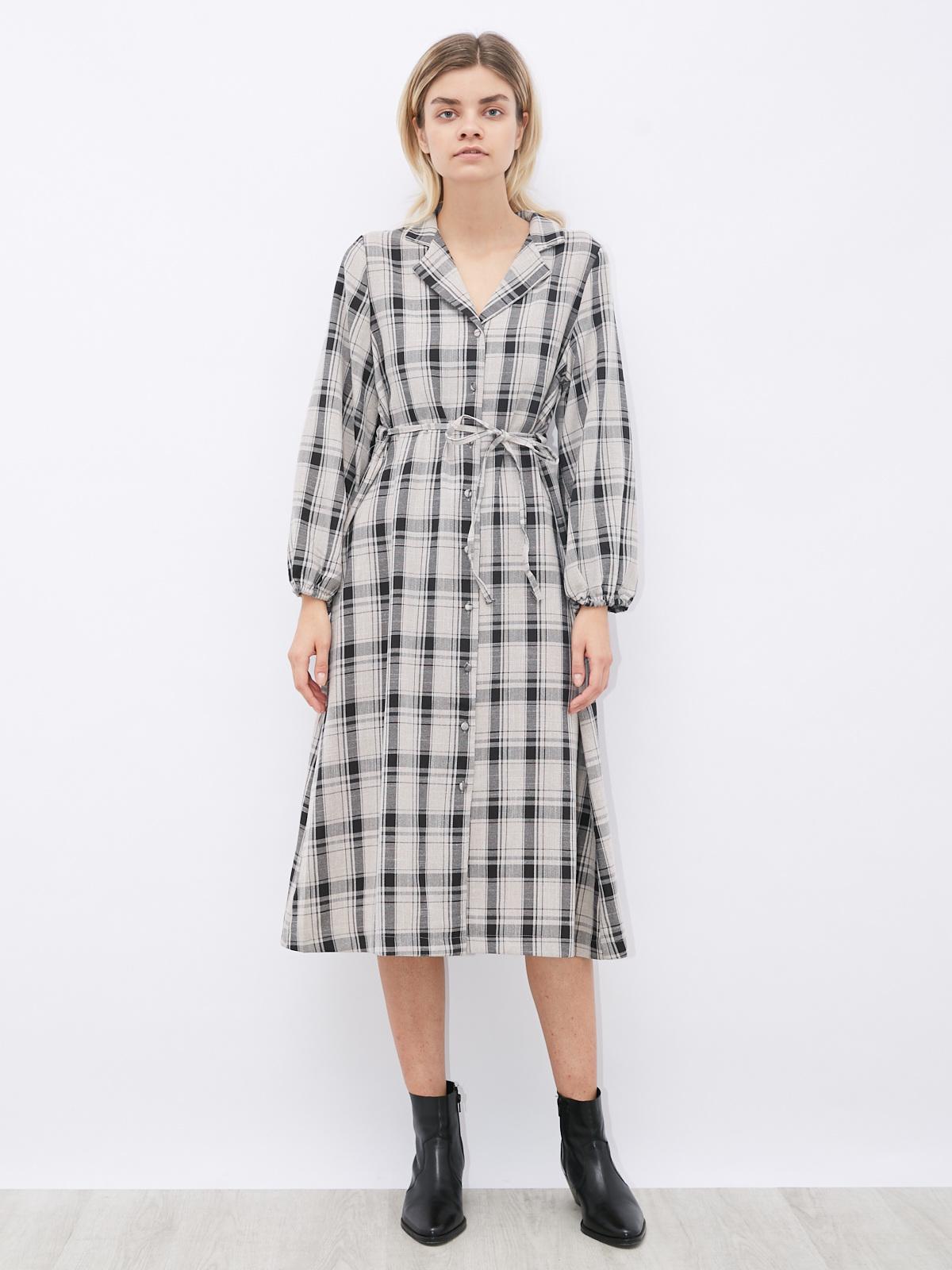 Платье в клетку на пуговицах со вшитым поясом
