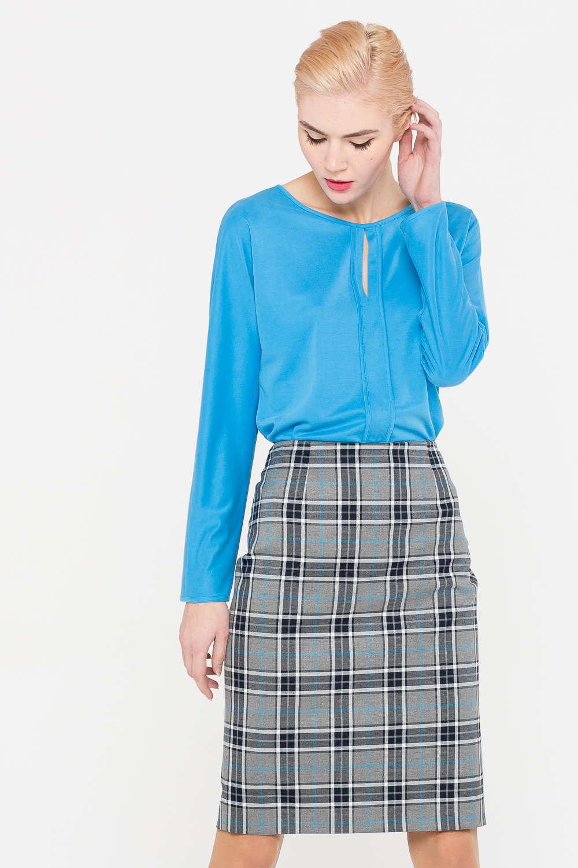 Блуза Г684-757 - Блуза с каплевидный вырезом на груди, изготовленная из мягкой и приятной к телу ткани, станет прекрасным дополнением любого гардероба. Модель выполнена в очень красивом оттенке голубого цвета, имеет полуприлегающий силуэт. Продуманная длина позволяет сделать её частью комплекта с брюками или юбками.