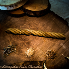 Восковая свеча пятикрутка с травами