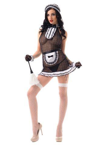 Костюм состоит из черного полупрозрачного платья с орнаментом и горловиной декорированной черно-белым жабо, передника и головного убора фото