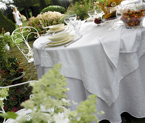 Скатерть 170х240 и комплект салфеток Blanc des Vosges Ombelle белая