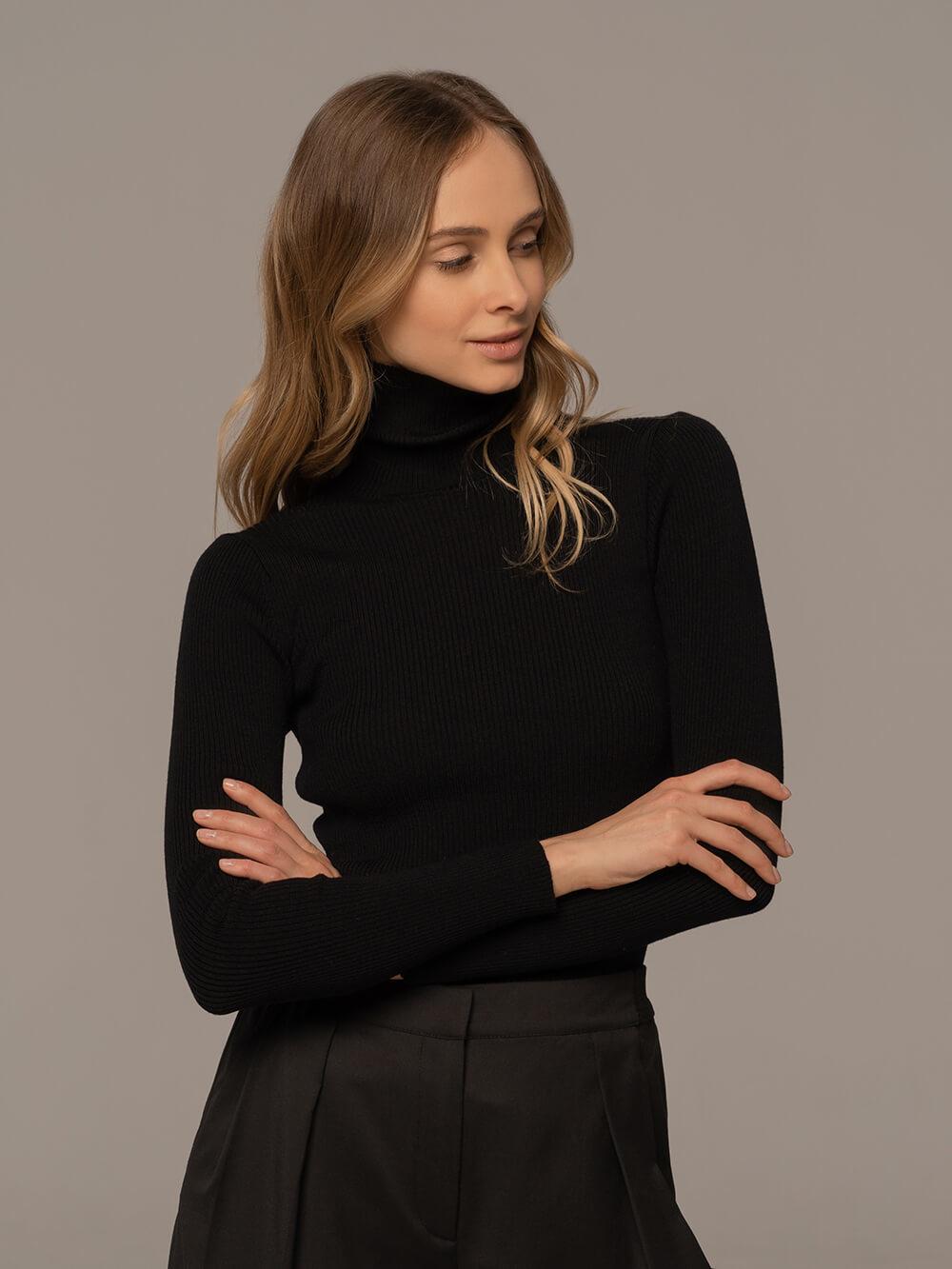 Женский свитер черного цвета из 100% шерсти