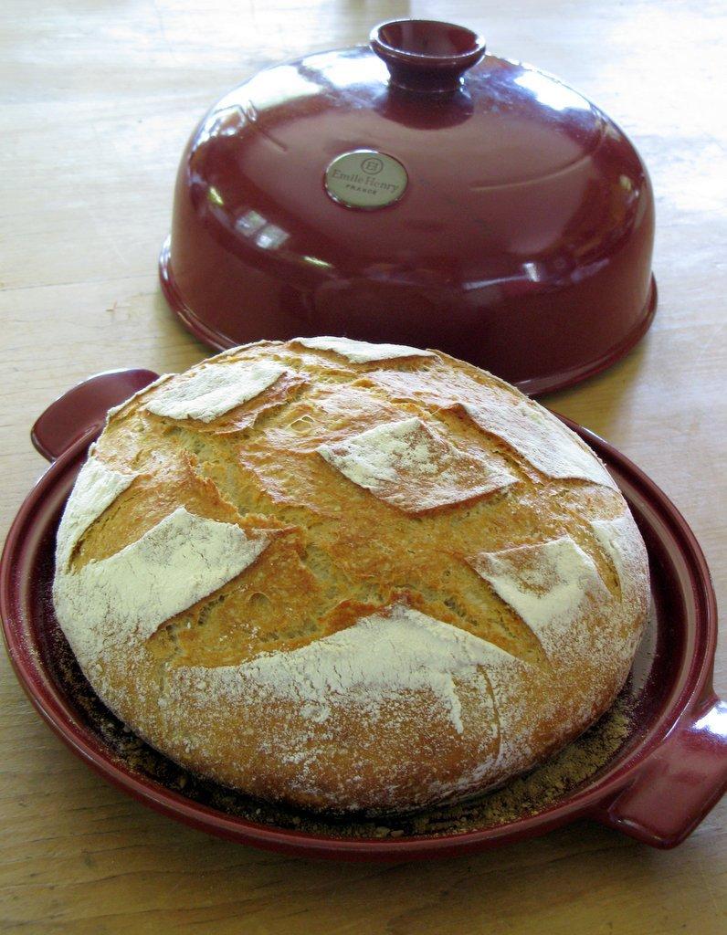 Форма с куполом для выпечки хлеба Emile Henry (гранат)
