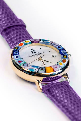 Часы на фиолетовом ремешке из муранского стекла