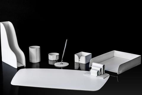 Настольный канцелярский набор 8 предметов из кожи цвет белый
