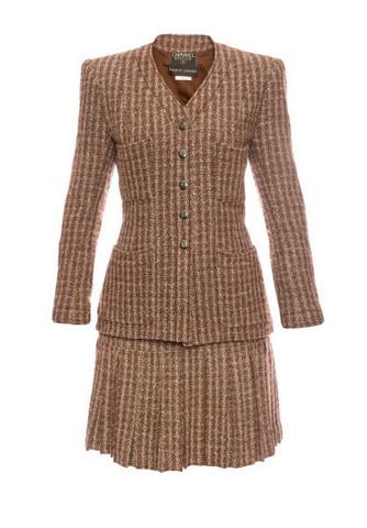 Изысканный твидовый костюм коричневого цвета от Chanel, 40 размер