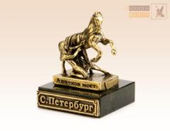 Аничков мост, кони Клодта на змеевике
