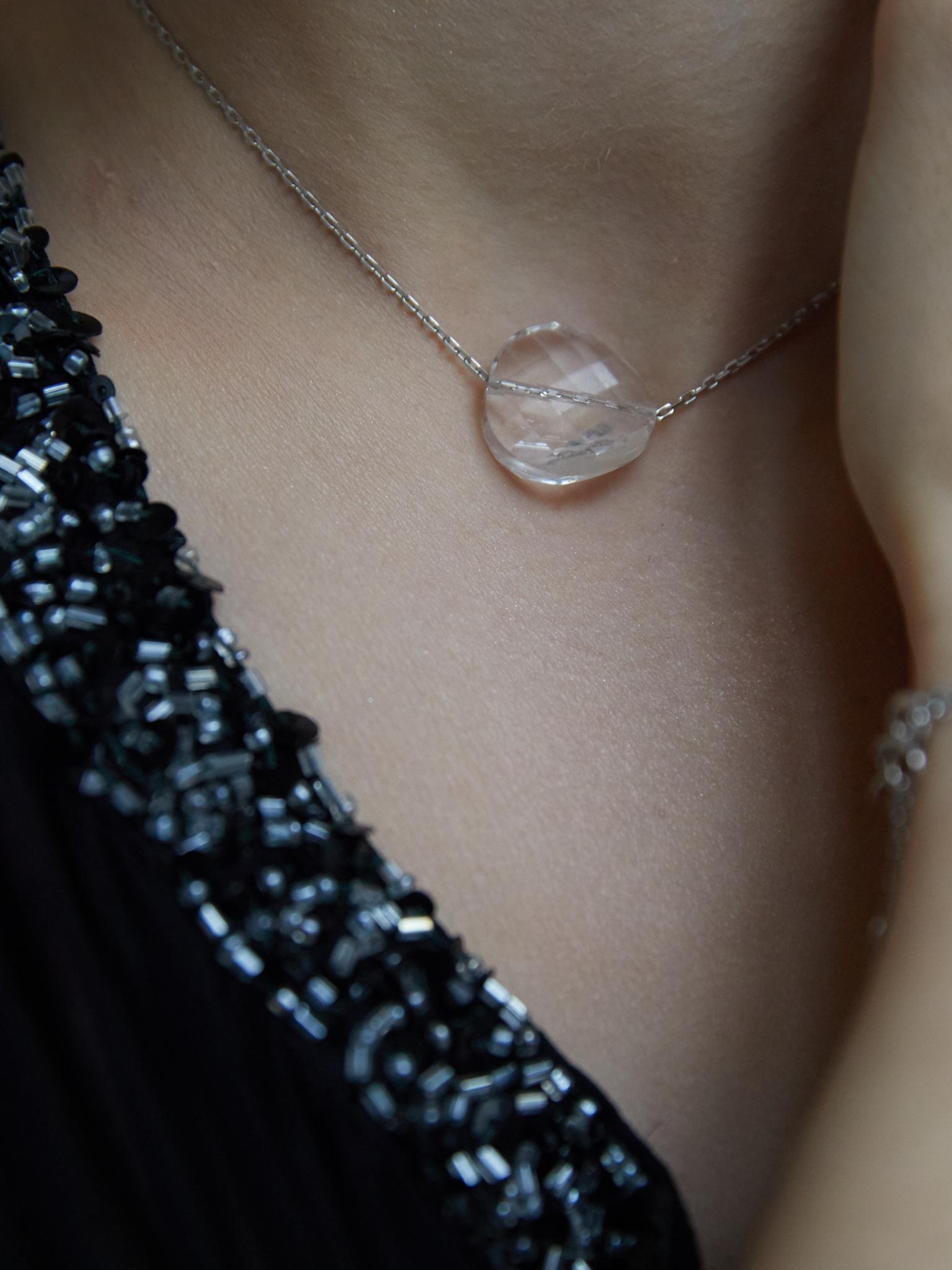 Серебряный чокер с кристаллом Swarovski