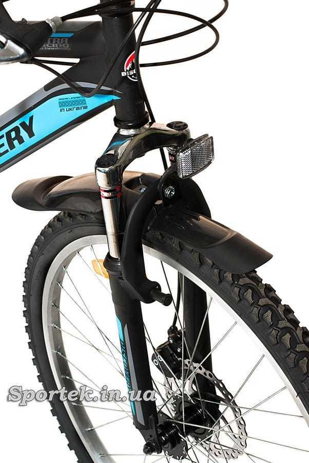 Амортизационная вилка горного универсального велосипеда Discovery Trek DD 2016 (Дискавери Трек)