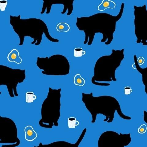 Черные коты котики, кофе и яичница.
