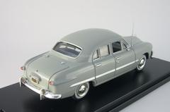 Ford Custom 4-Door Sedan hell-grau American Heritage Models 1:43