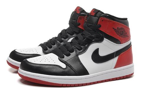 Air Jordan 1 Retro 'Black Toe'