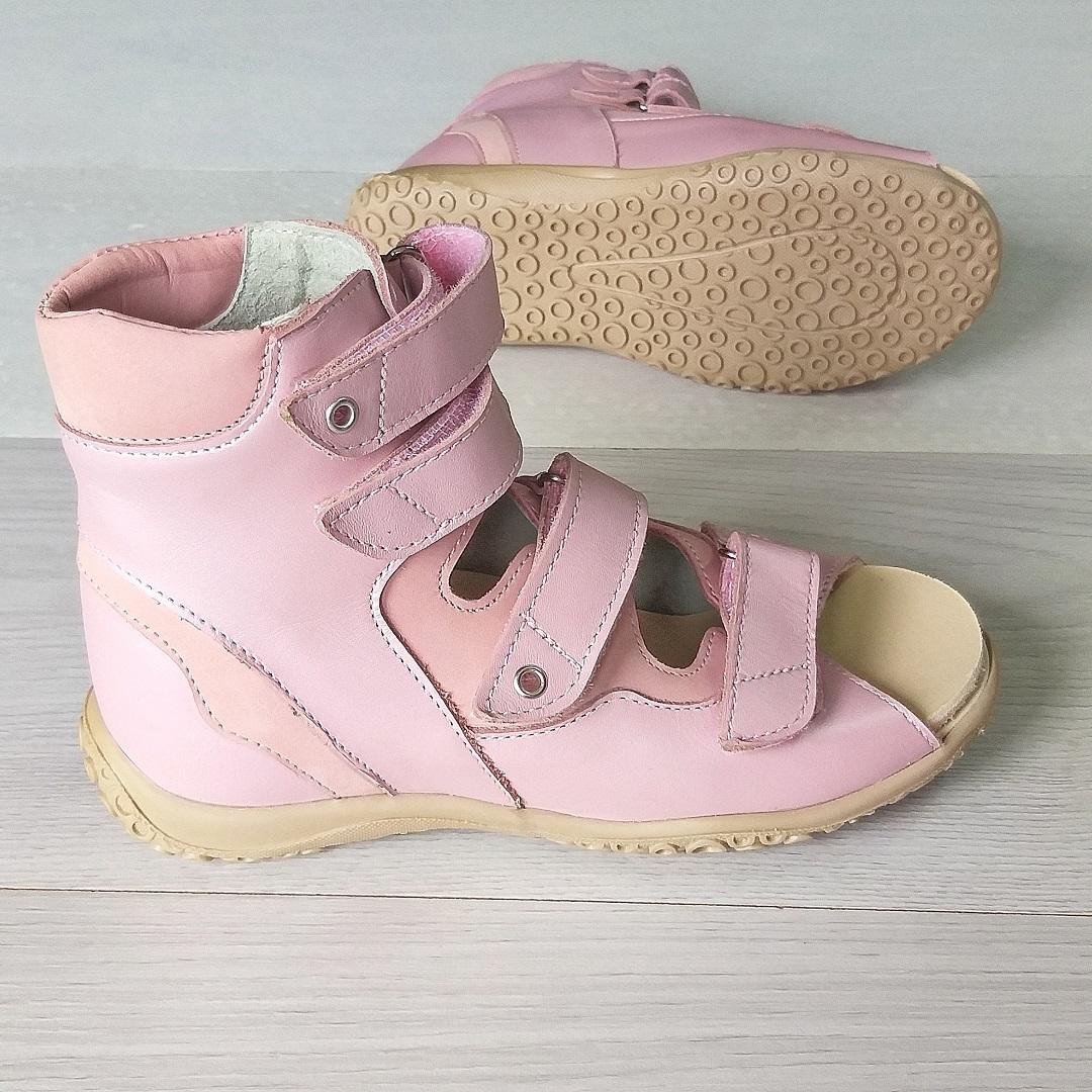 Антиварусные высокие сандалии