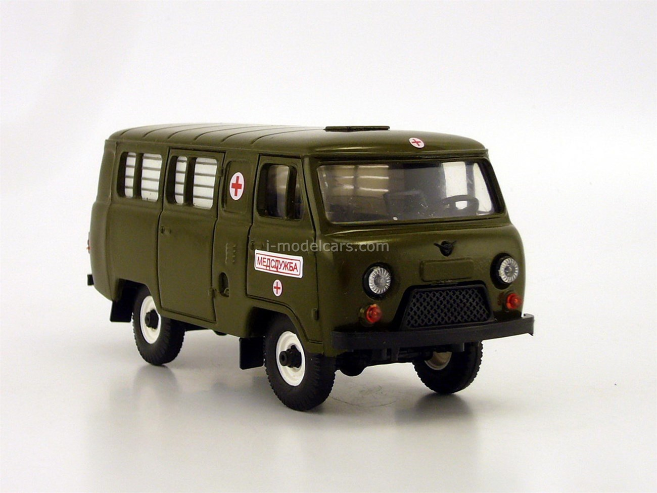 UAZ-3962 Bus Medical Service plastic painted khaki (white glass) Agat Mossar Tantal 1:43