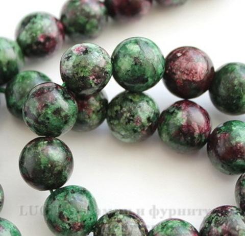 Бусина Цоизит (искусств), шарик, цвет - темно-зеленый с фиолетовым, 10 мм, нить