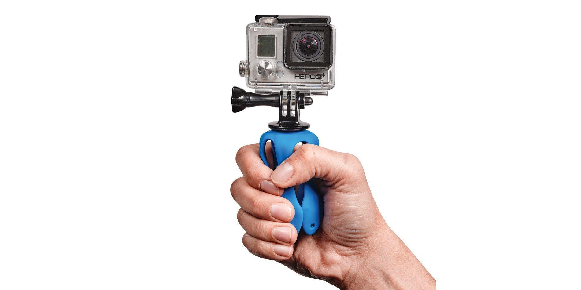 Штатив для экшн-камер Miggo Splat  в руке + камера