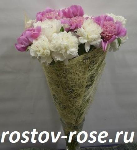 Бело-розовый микс из пионов