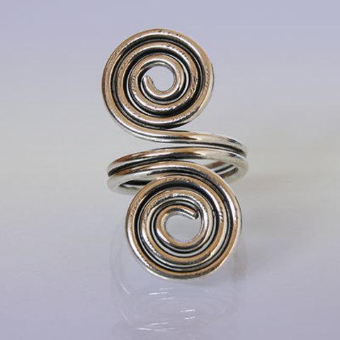 Кольцо Две Спирали