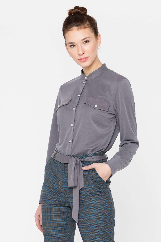 Блуза Г689а-758 - Современная блуза красивого серого оттенка дарит образу элегантность и особый шик. Модель застёгивается на аккуратные пуговицы, карманы-обманки стали дополнительным украшением дизайна. Модель тактично подчеркивает фигуру и расставляет выгодные визуальные акценты.