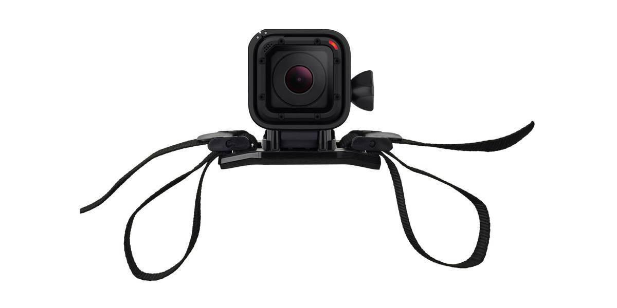 Крепление на вентилируемый шлем GoPro Vented Helmet Strap Mount (GVHS30) с камерой session