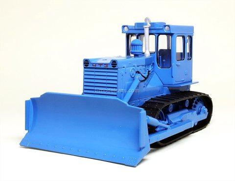 Tractor T-130 bulldozer blue 1:43 Hachette #136