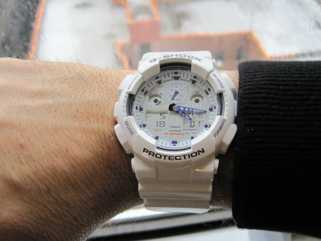 Белые часы casio g-shock - одни из самых востребованных среди всех расцветок и дизайнов.