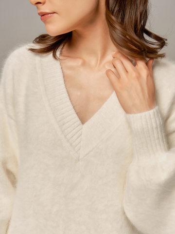 Женское платье белого цвета из ангоры - фото 3