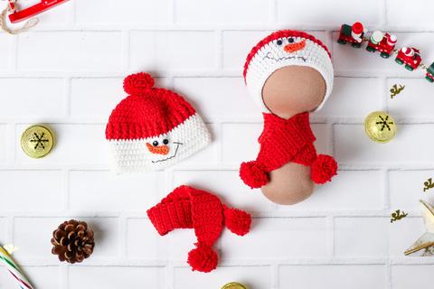 В'язаний комплект червоний, шапка та шарф ручної роботи для ляльки - Сніговик