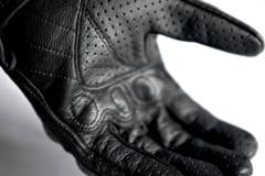 Мотоперчатки - ICON PURSUIT TOUSHSCREEN (перфорированные, черные)