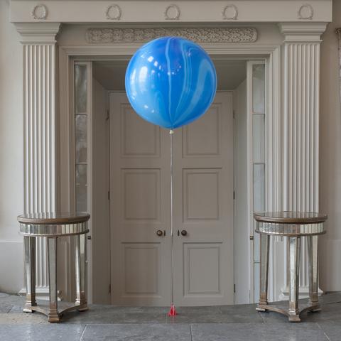 Мраморный шар 70 см. голубой