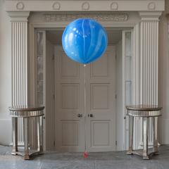 Мраморный воздушный шар 70 см. голубой